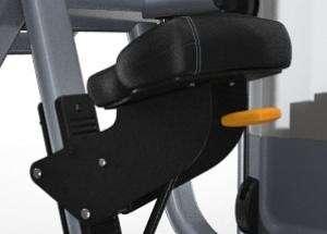 Lapsúlyos bicepszgép – Racsnis ülés